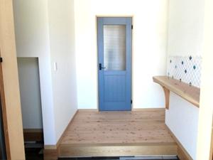 玄関ドア ブルー
